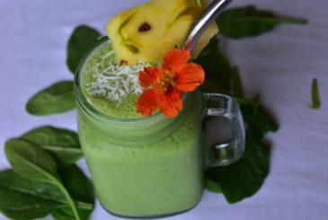 Vegan green piña colada smoothie - vegan breakfast recipes