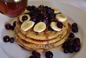 Vegan Wholemeal, Refined-Sugar-Free, Blueberry Pancakes