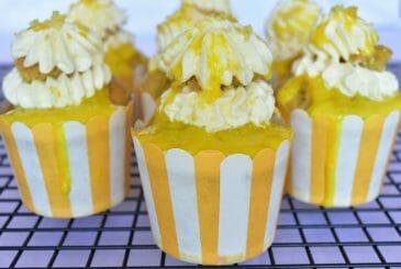 Vegan lemon cupcakes with lemon curd filling - vegan dessert recipes