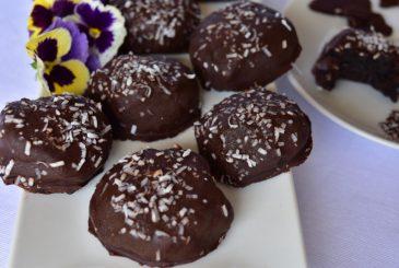 Vegan chocolate coated oreo truffles - vegan recipes
